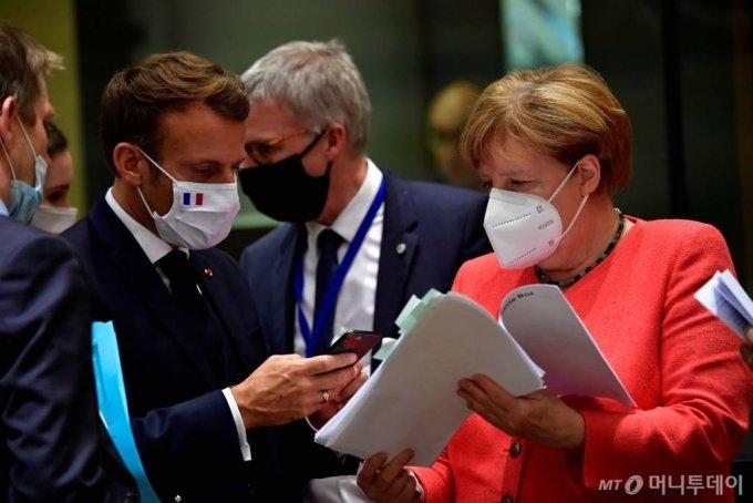 에마뉘엘 마크롱 프랑스 대통령과 앙겔라 메르켈 독일 총리/ 사진=로이터통신