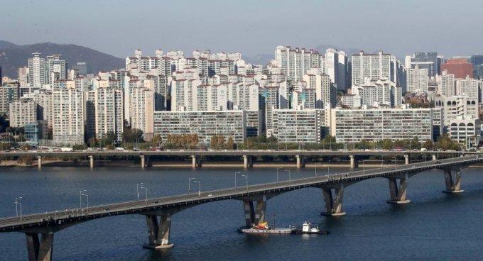 28일 오후 서울 시내의 아파트 단지 모습./ 사진=뉴스1