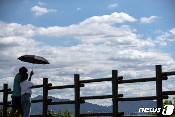 [오늘의 날씨] 충북·세종(30일, 금)…구름많고 일교차 커