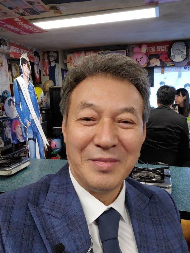 배우 김갑수./사진=방탄소년단 공식 팬 커뮤니티 위버스