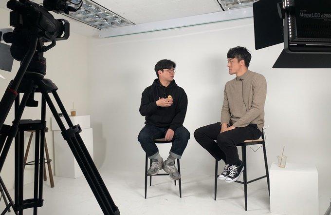 유튜버 '영민하다' 채널을 운영하는 이영민씨(오른쪽)와의 인터뷰 /사진=김지성 기자