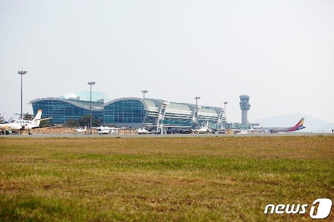 무안국제공항 전경(전남도 제공)2020.8.19 /뉴스1 © News1