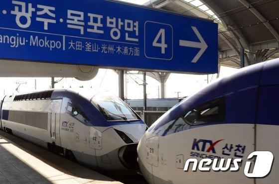 국가철도공단이 무안국제공항을 경유하는 호남고속철도 2단계 공사를 올 연말 착공할 예정이다./뉴스1 © News1
