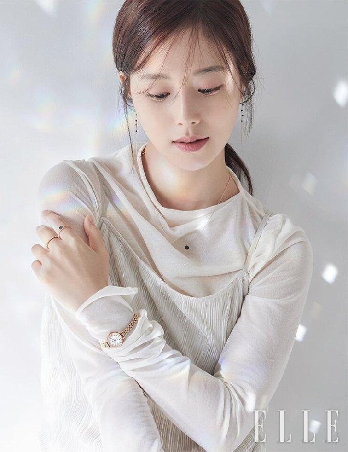 문채원/ 엘르 제공 © 뉴스1