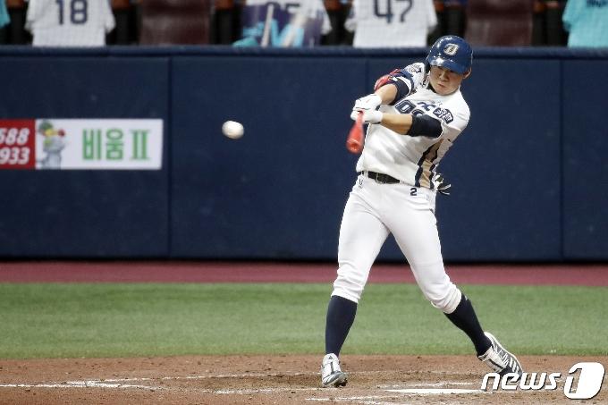 [사진] NC 박민우 '달아나는 2타점 적시타'