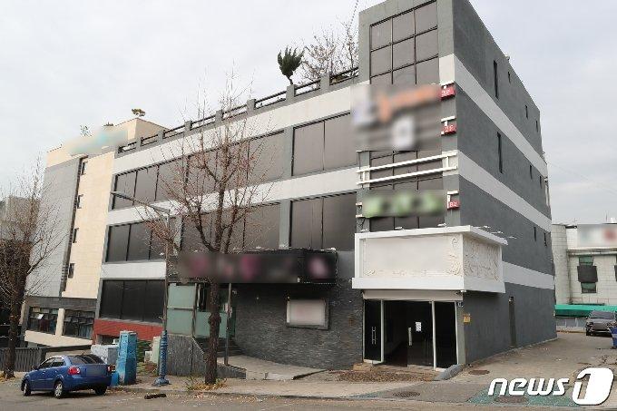 집단감염이 발생한 인천시 연수구의 한 유흥주점 모습. / 뉴스1 © News1 정진욱 기자