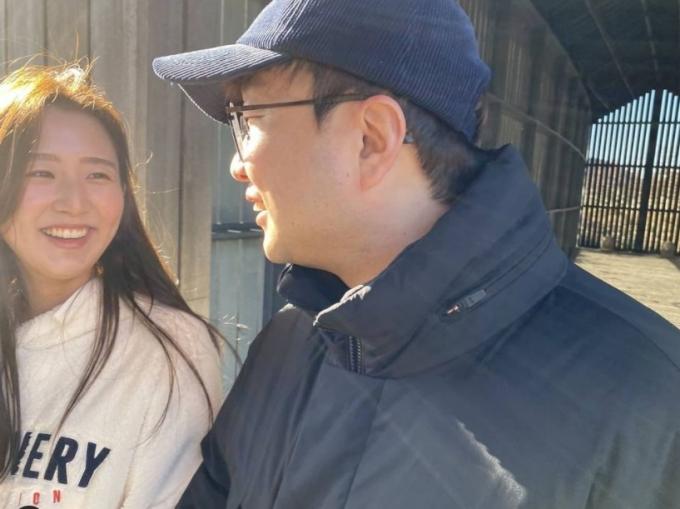 박휘순, '17세 연하' 천예지와 신혼여행…