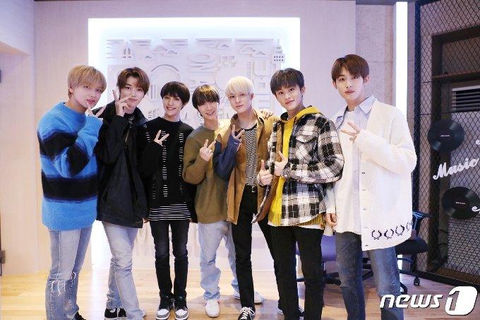 [사진] '정오의 희망곡' 출연한 NCT U