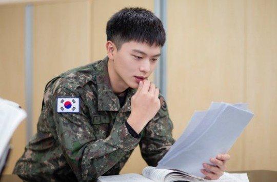 그룹 비투비 멤버 육성재./사진=병무청 SNS