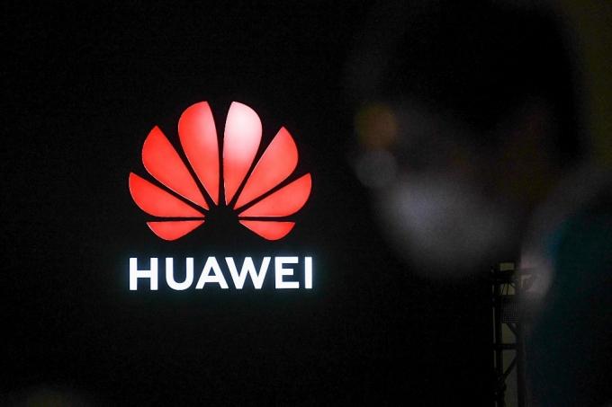 英, 내년 9월부터 화웨이 5G 장비 신규 설치 금지