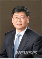 [서울=뉴시스] 문재인 대통령은 2일 신임 법무부 차관에 이용구 변호사를 내정 했다. (사진=청와대 제공) 2020.12.02.  photo@newsis.com