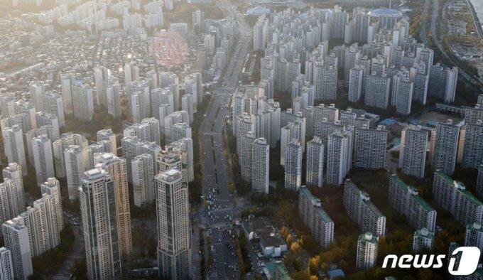 (서울=뉴스1) 이승배 기자 = 서울 송파구의 아파트 단지. 2020.11.3/뉴스1