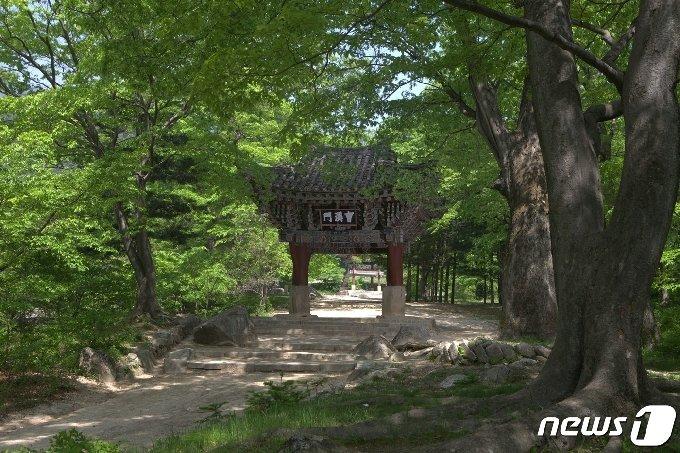 강원도 고산군에 있는 석왕사의 조계문. (미디어한국학 제공) 2020.12.19.© 뉴스1