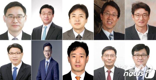 """'2차 개각' 앞둔 文대통령, 대규모 차관 인사 """"실무형 전진배치 ..."""