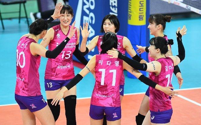 .2020-21시즌 프로배구 여자부에서 선두에 올라있는 흥국생명. (KOVO 제공) © 뉴스1