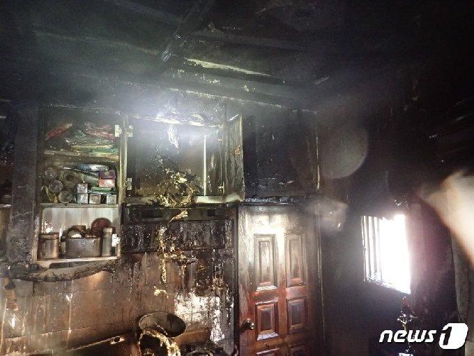 화재현장.(부산소방재난본부 제공)© 뉴스1