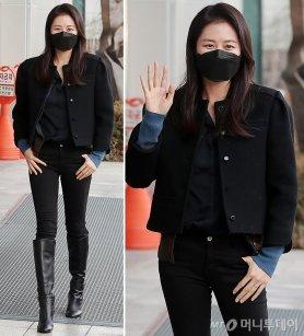 문소리, 시크한 올블랙 패션…슬림한 실루엣 '깜짝'