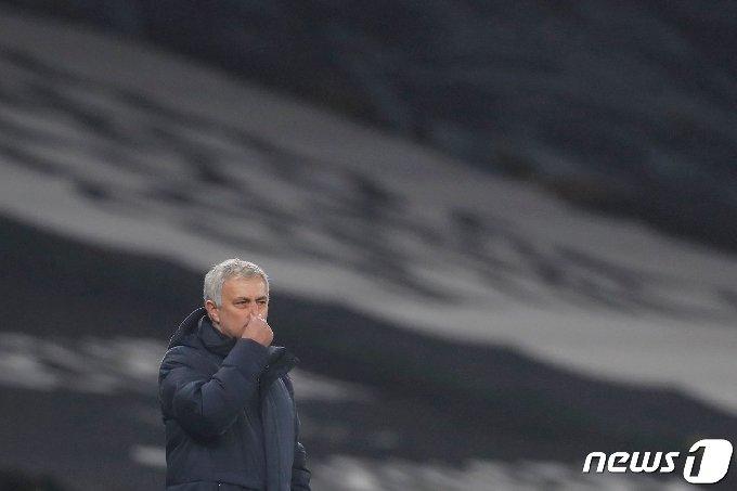 좀처럼 고비를 넘지 못하고 있는 모리뉴 감독의 토트넘 © AFP=뉴스1