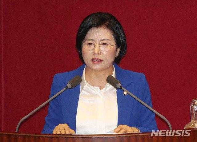 양경숙 더불어민주당 의원이 지난해 8월4일 서울 여의도 국회에서 열린 본회의에서 5분 자유발언을 하고 있다. / 사진제공=뉴시스