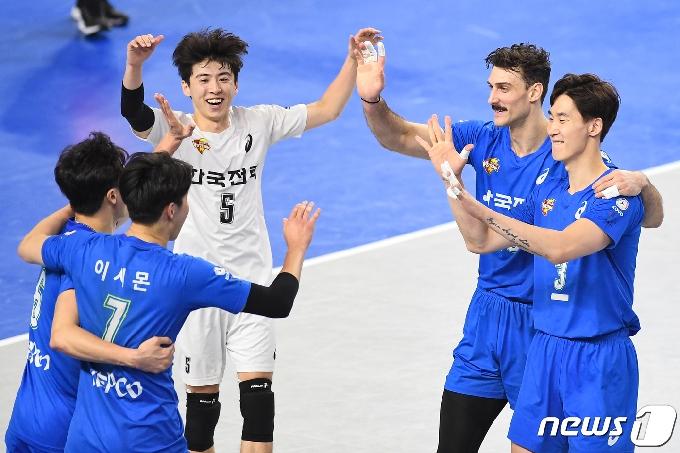 [사진] 한국전력 '승리가 보인다'