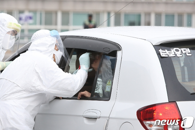 가족 간 감염 잇따라… 강원 신규 확진 '두자릿수'(종합)