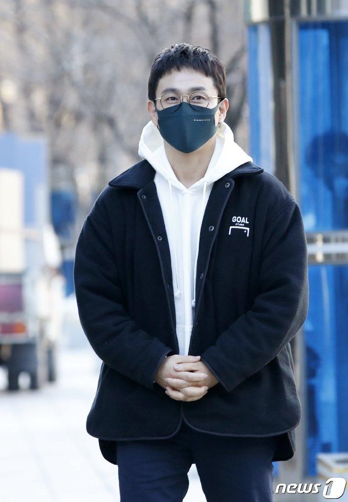 [사진] 오정세 '근사한 안경 삼촌'