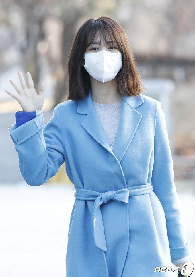 [사진] 박하선 '청순 인사'