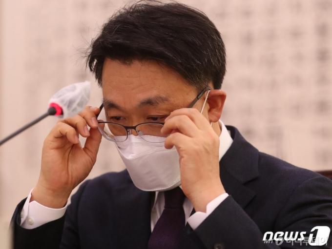 권력수사 때문에 윤석열 찍어내기?…김진욱