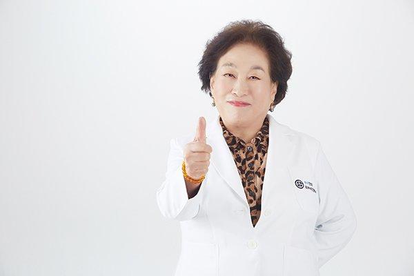 배우 전원주 /사진제공=이에스우리안과