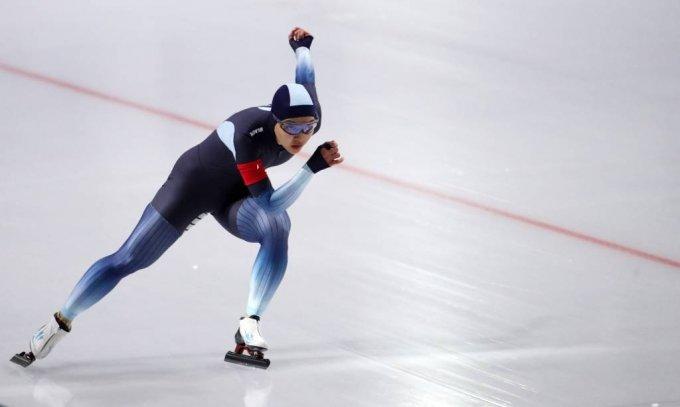 지난해 11월 서울 노원구 태릉 국제스케이트장에서 열린 제51회 회장배 전국남녀 스피드스케이팅 대회 여자 일반부 1500m 경기, 김보름(강원도청)이 힘차게 질주를 하고 있다. /사진=뉴시스