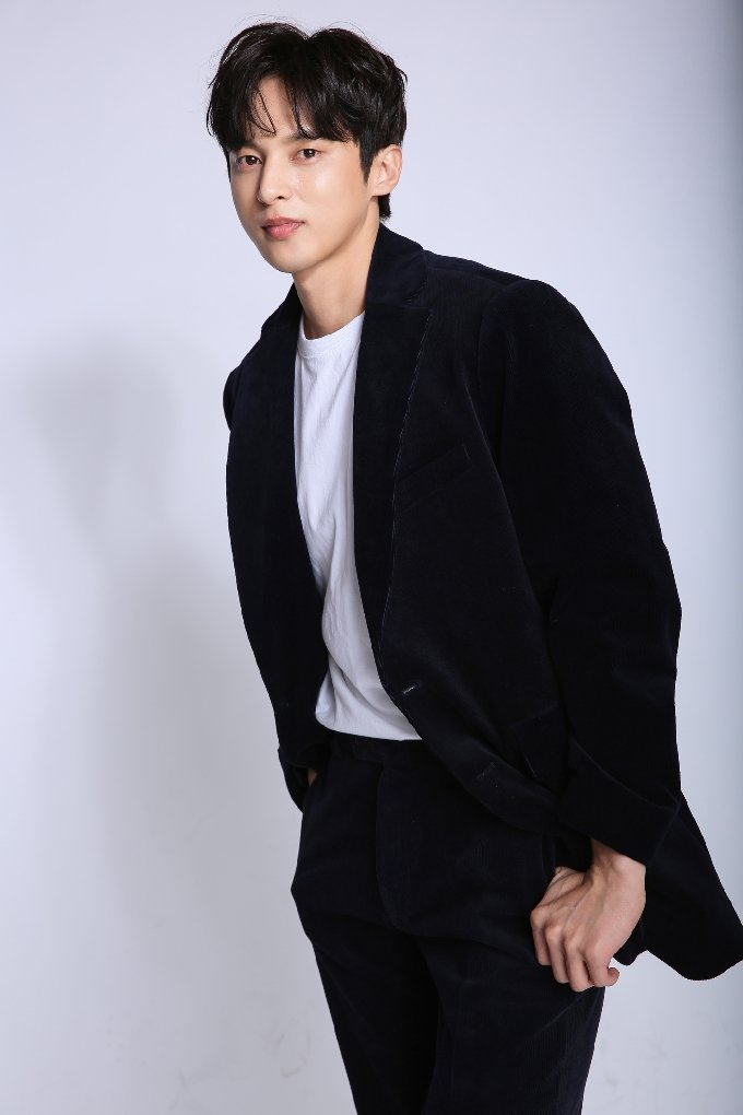 배우 윤선우/ 사진제공=935엔터테인먼트 © 뉴스1