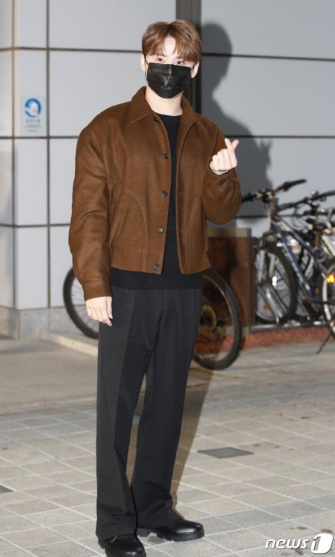 [사진] 김준수 '근사한 하트'