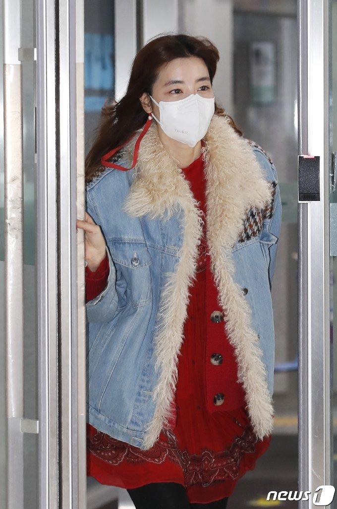 [사진] 김규리 '상암 밝히는 여신 미모'