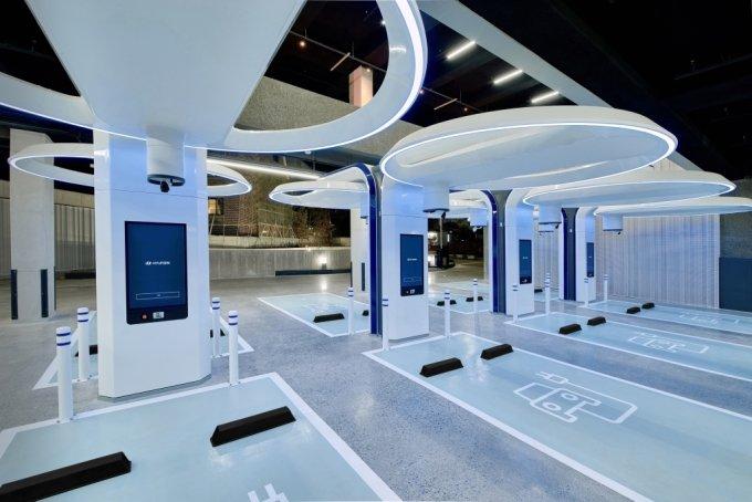 현대차 국내 최대 전기차 초고속 충전소 선보여