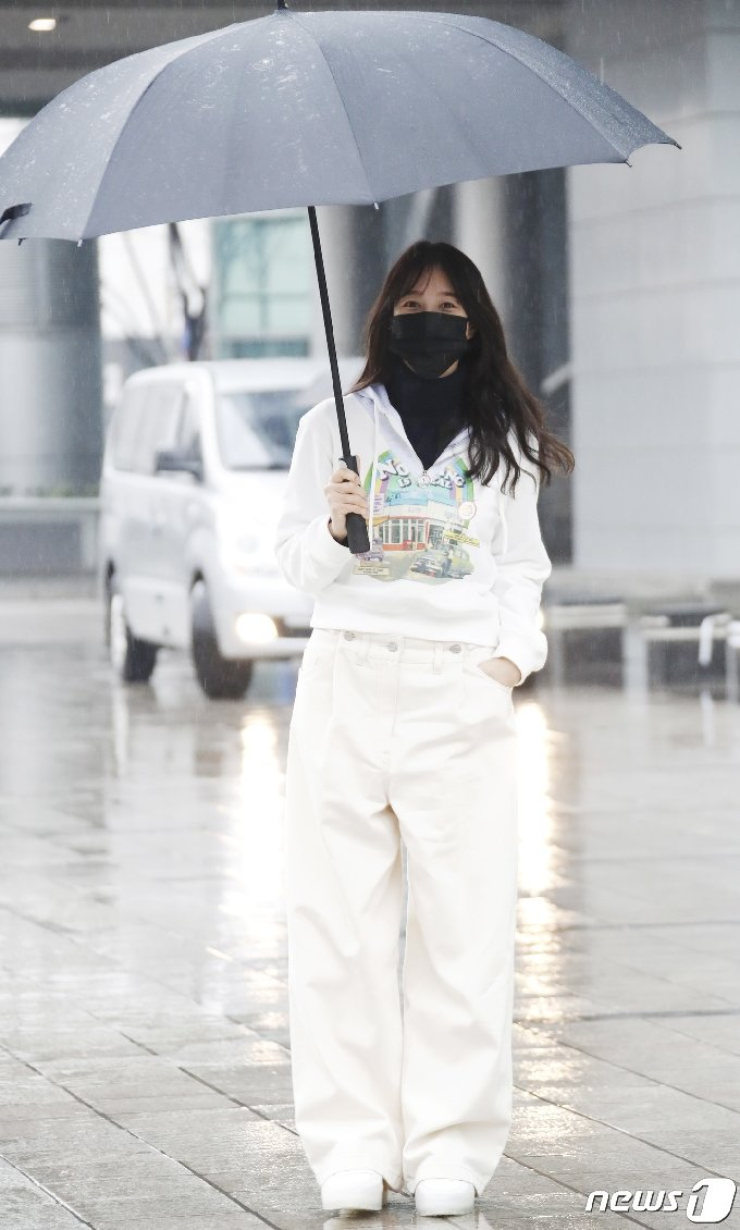 [사진] 이지아 '캐주얼 의상도 찰떡 소화'