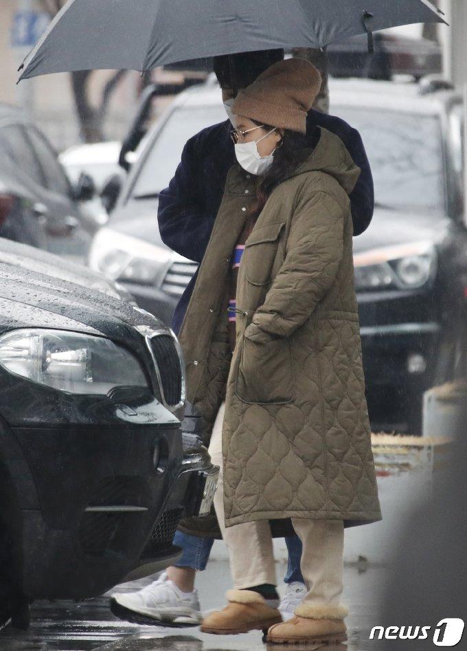 [사진] 신봉선 '비 오는 퇴근길'