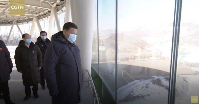 지난 18~19일 베이징 동계올림픽 경기장 건설 현장을 찾은 시진핑 중국 국가 주석. /사진=CGTN 유튜브 캡처.