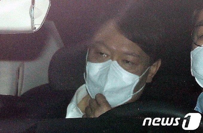 [사진] 윤석열 검찰총장의 시선