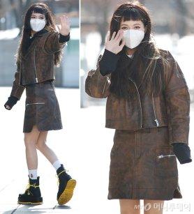 현아, 치명적인 가죽 패션…일자 앞머리+미니스커트 '깜찍'