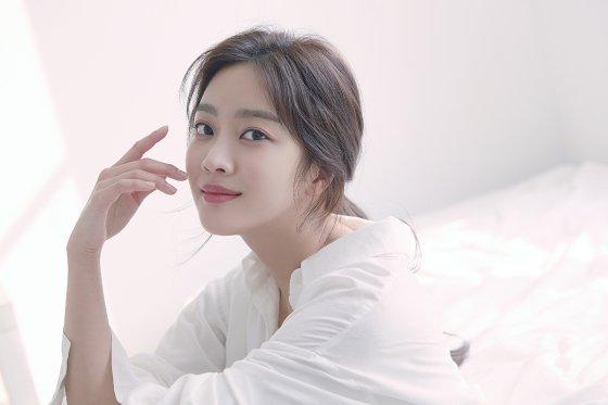 키이스트, 배우 조보아와 전속계약 체결