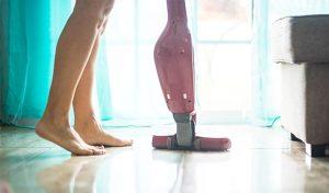 집에선 항상 벗고 있는 40세 엄마…딸들에 알몸 보여주는 이유는?