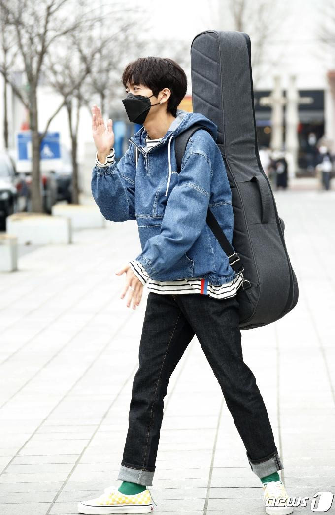[사진] 이승윤 '싱어게인' 우승자의 로봇댄스