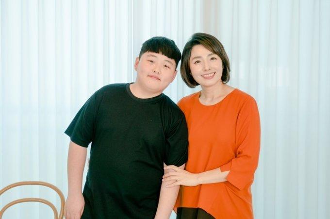 '쭈니맨' 권준군과 어머니 이은주씨 /사진=이주아PD