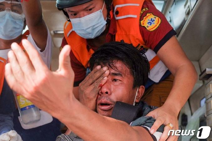 미얀마 반쿠데타 시위대 사망자 7명으로 늘어…인니