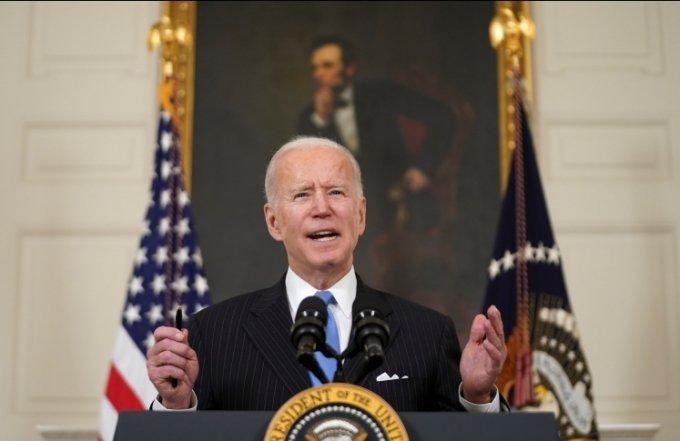 바이든 미국 대통령이 2일 백악관에서 행정부의 코로나19 대책에 대해 발표하고 있다. /사진=로이터