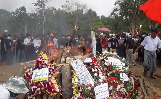 미얀마 '피의 일요일' 사흘만에 또 총격…최소 9명 사망