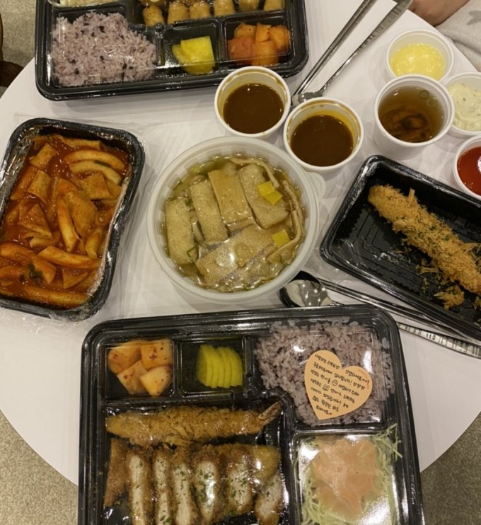 코로나19로 배달 음식 주문이 늘며, 플라스틱 일회용 쓰레기도 어쩔 수 없이 급증하고 있다./사진=독자 제공