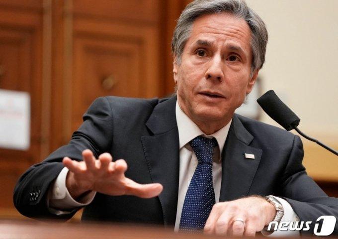 (워싱턴 AFP=뉴스1) 우동명 기자 = 토니 블링컨 미국 국무장관이 10일(현지시간) 워싱턴 의사당의 하원 외교위원회 청문회에 출석해 한국 내에 동결된 이란의 자금을 이란이 핵합의 준수로 돌아오기 전까지는 해제할 의향이 사실상 없다는 입장을 밝히고 있다.  (C) AFP=뉴스1