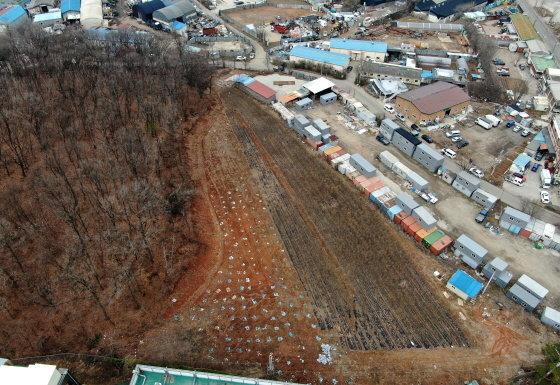 한국토지주택공사(LH) 일부 직원들의 투기 의혹이 제기된 지역(시흥시 과림동)의 토지거래 건수가 정부의 부동산대책 발표 전에 급증한 것으로 나타났다./사진=뉴스1