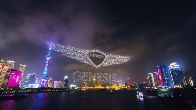 글로벌 럭셔리 브랜드 제네시스가 중국에서 본격 출범했다. 제네시스 브랜드(이하 제네시스)는 2일(현지시간) 중국 상하이 국제 크루즈 터미널에서 '제네시스 브랜드 나이트(Genesis Brand Night)'를 열고, 중국 고급차 시장을 겨냥한 브랜드 론칭을 공식화했다./사진제공=현대차